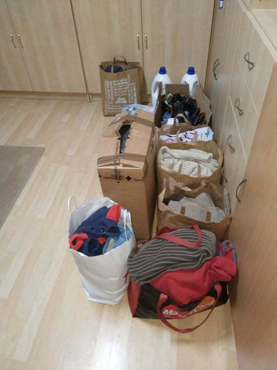 Nová-chladnička-ako-vianočný-dar-pre-chlapcov-bez-vlastného-domova_4