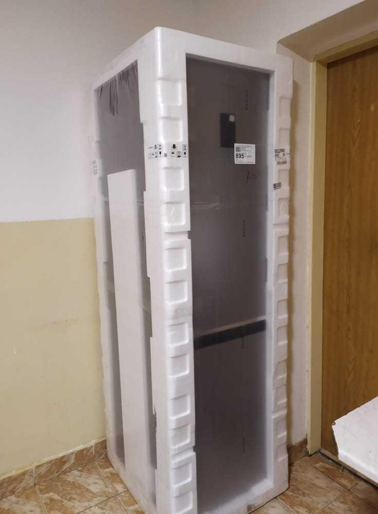 Nová-chladnička-ako-vianočný-dar-pre-chlapcov-bez-vlastného-domova_7