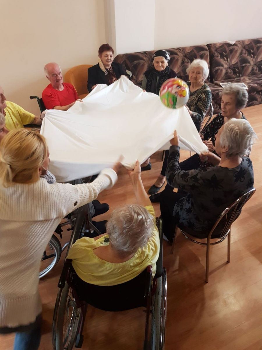 V-Dome-pokojnej-staroby-vo-Veľkom-Šariši-sú-seniori-aktívni-4_zmensene