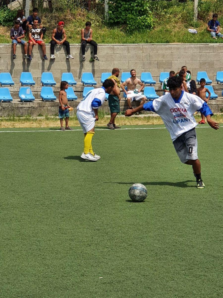 Futbalovy-turnaj-spojil-miestne-komunity-27