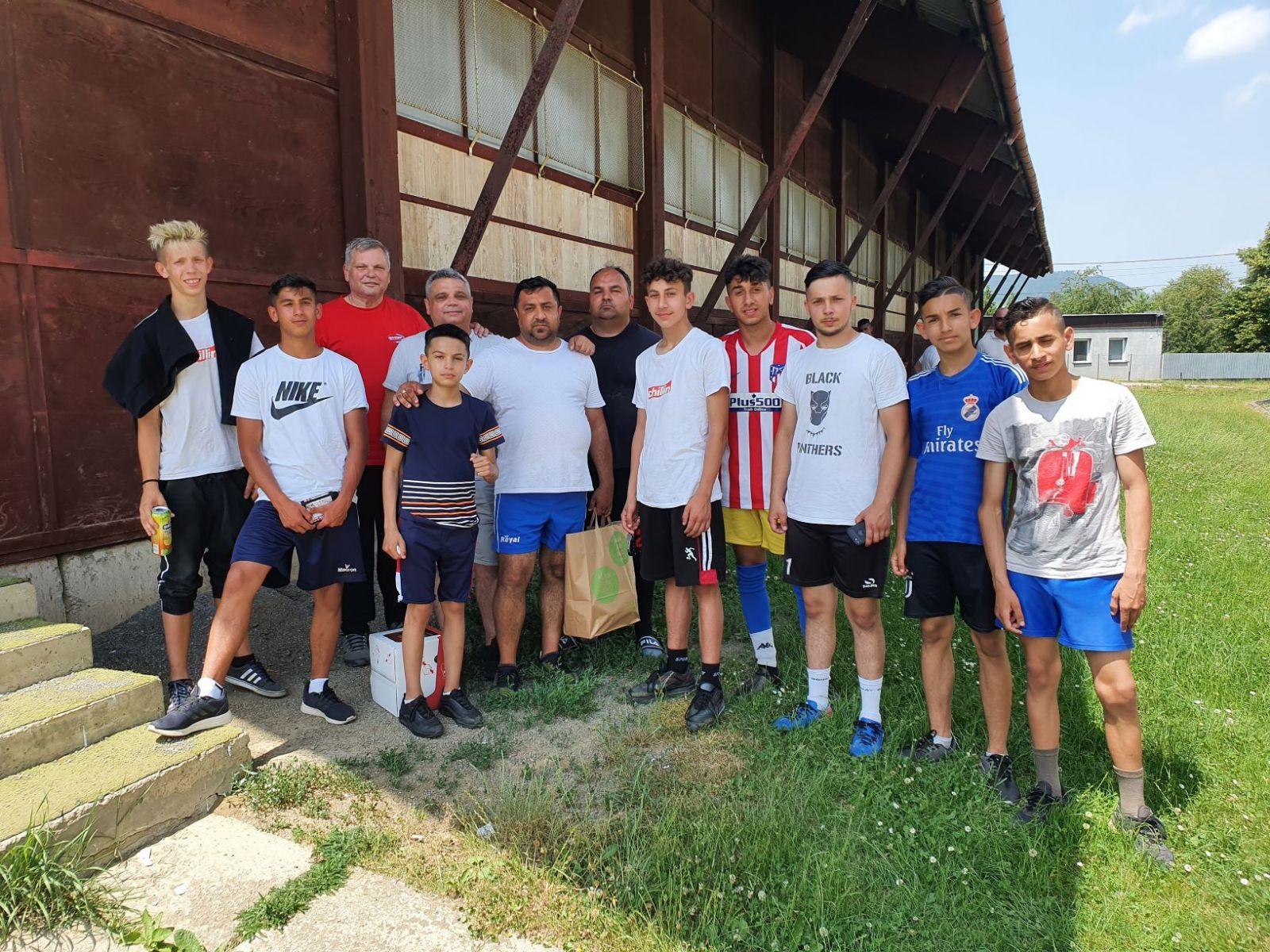 Futbalovy-turnaj-spojil-miestne-komunity-34