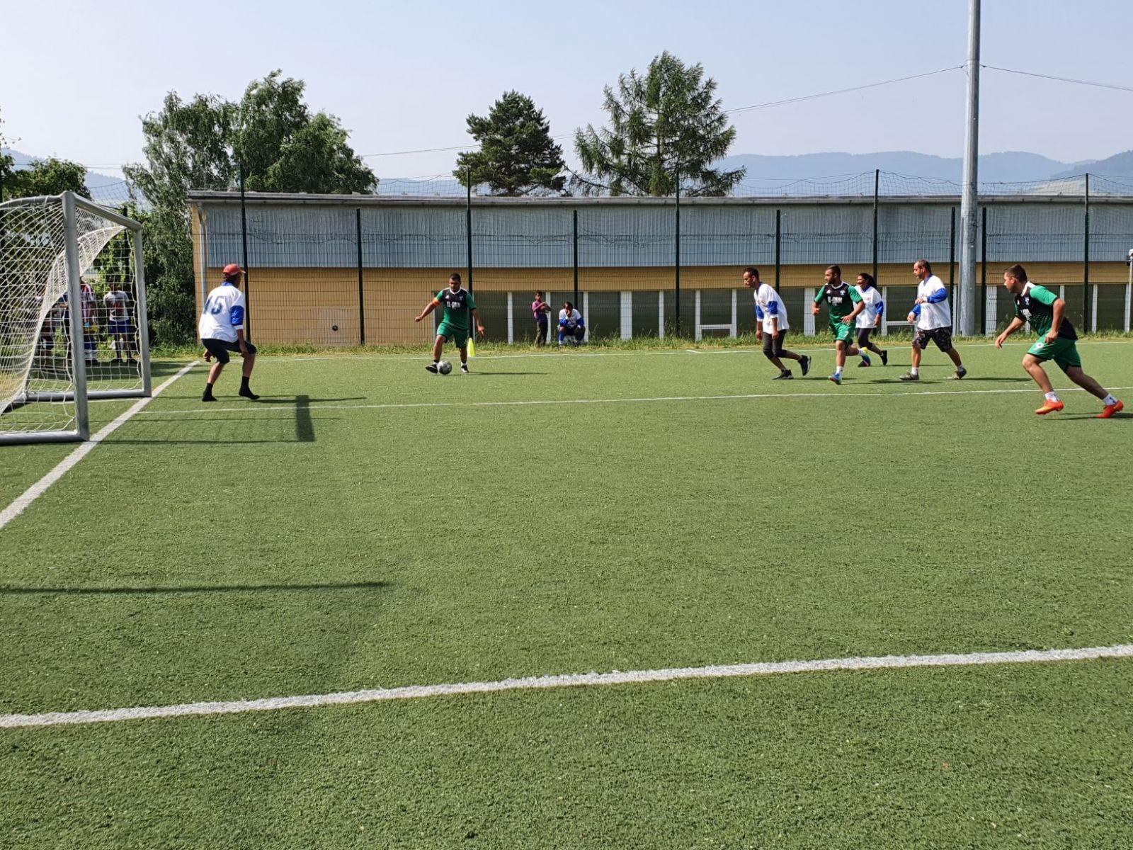 Futbalovy-turnaj-spojil-miestne-komunity-7